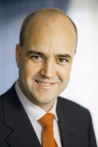 Reinfeldt: proof that forehead size and intelligence are not correlated