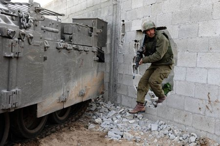 IDF soldier in Gaza during Operation Cast Lead