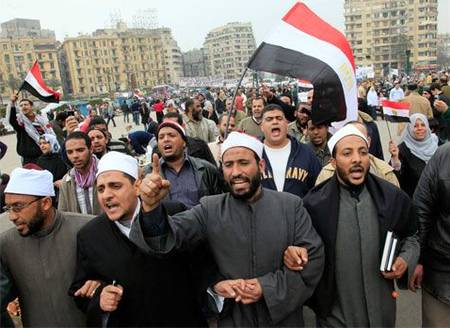 Egyptian clerics demonstrate against the regime