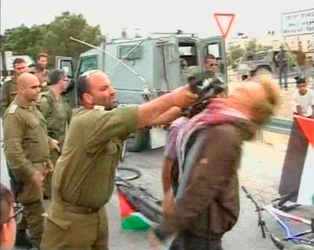 IDF officer striking Danish ISM protester