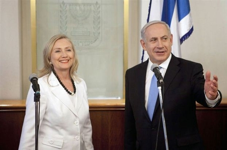 Secretary of State Clinton meets PM Netanyahu in Jerusalem Monday