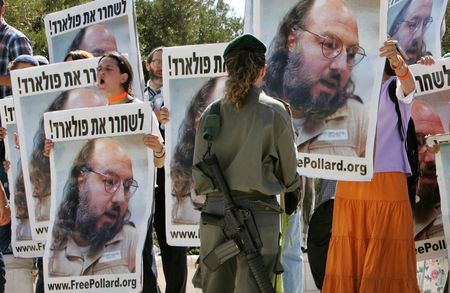 Israeli demonstrators call for Pollard's release, 2005