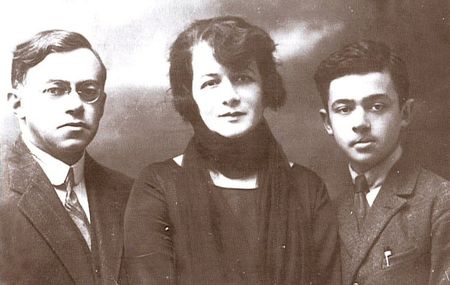 Ze'ev Jabotinsky with wife Yohana and son Eri
